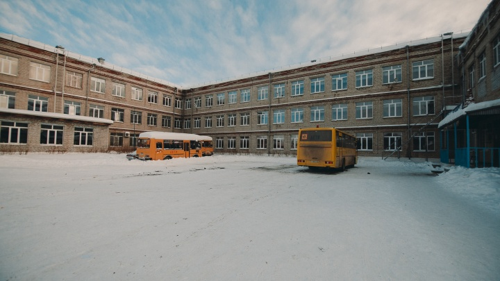 Под Тюменью повздорили ученики поселковых школ— всоцсетях обсуждают массовую драку