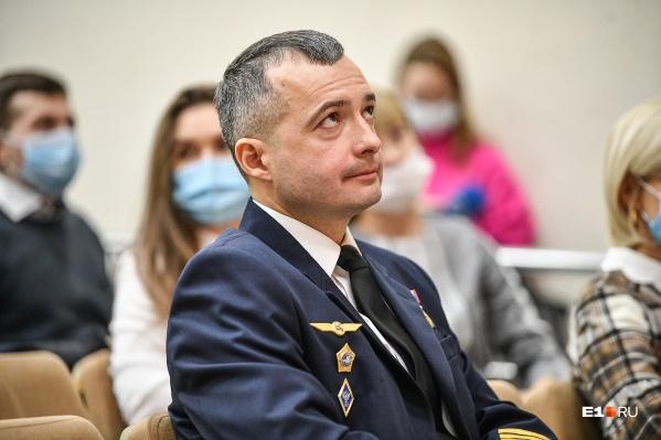 Дамир Юсупов пока не собирается идти в политику, поскольку верен авиации