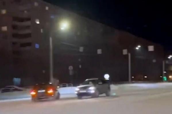 Водителя Mercedes вызвали в суд после того, как видео с экстремального заезда выложили в паблике Majоrka.chel