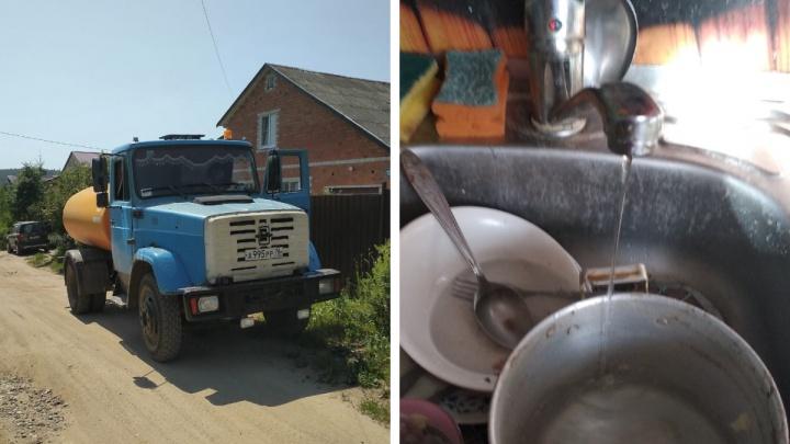 Во время аномальной жары жителей в нескольких районах Ярославской области оставили без холодной воды