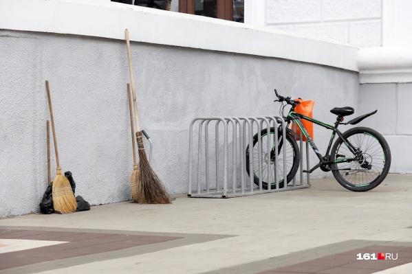 Вместе с Ростовом худшими городами для велосипедистов авторы рейтинга указали Новосибирск, Омск, Воронеж и Нижний Новгород