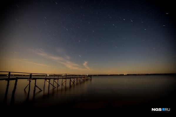 Кроме Венеры, в ближайшее время в небе можно будет наблюдать и другие объекты — метеоры потокаэта-Аквариды