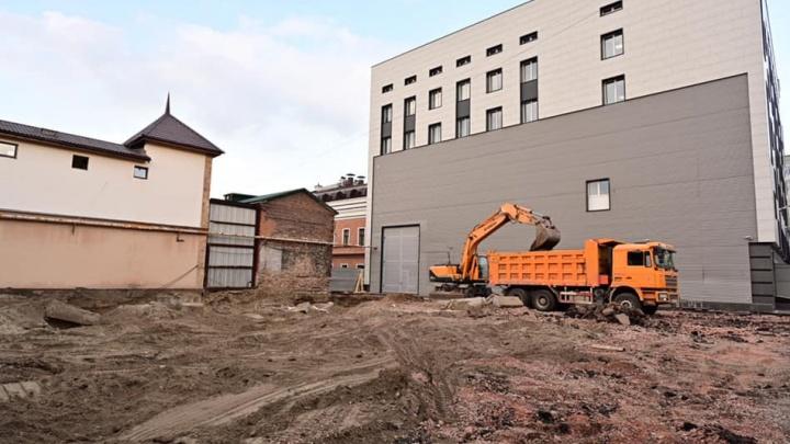 На территории Театра Пушкина начали возводить два новых здания
