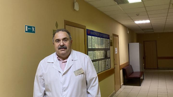 Уволившийся главврач ответил, кому доверил поликлинику № 1 после дела о подделке сертификатов в Ростове