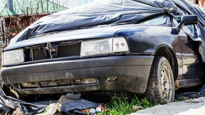 Власти Ростова нашли место под стоянку брошенных автомобилей