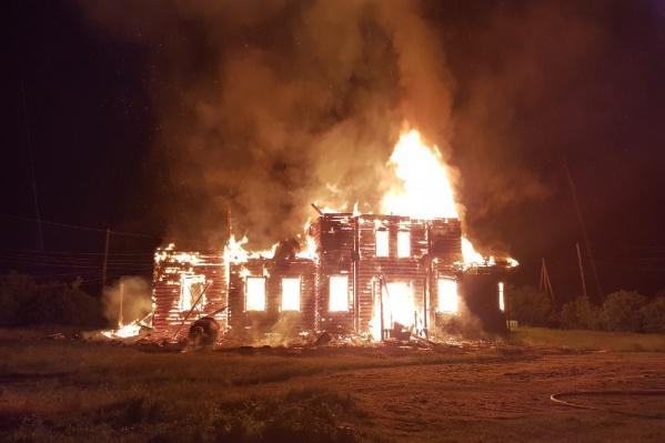 Церковь сгорела во время службы