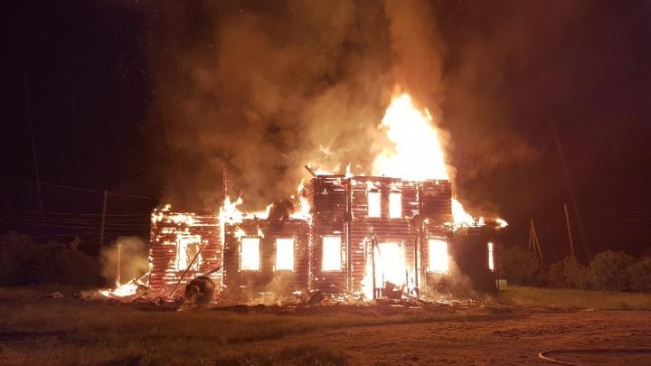 На месте сгоревшей от удара молнии церкви построят часовню