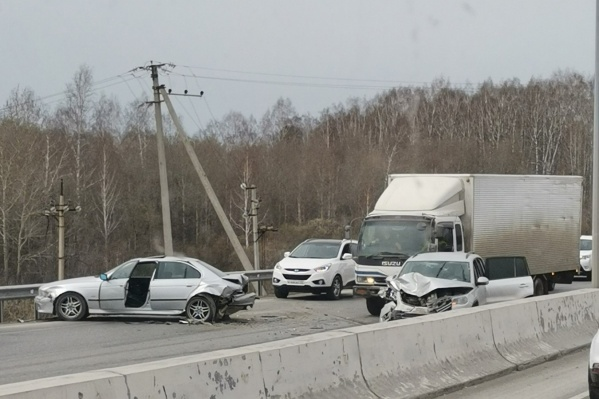 Водители получили травмы, но оба живы