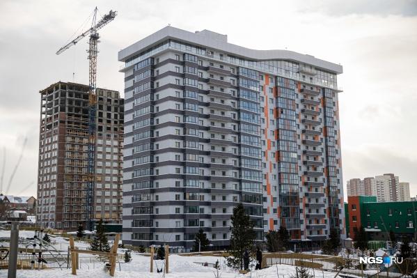 Жители дома по Лескова, 29 добились через суд снижения тарифа УК и столкнулись с отключением домофонов, сокращением уборки и уменьшением тепла