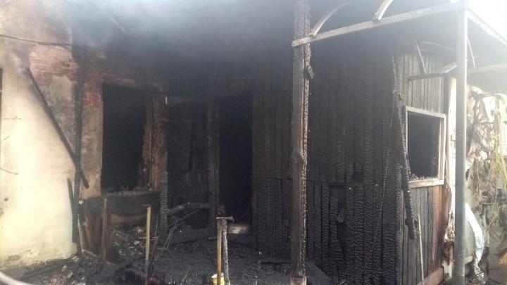 «Тело нашли в коридоре рядом с дверью»: в Самарской области на пожаре погибла женщина