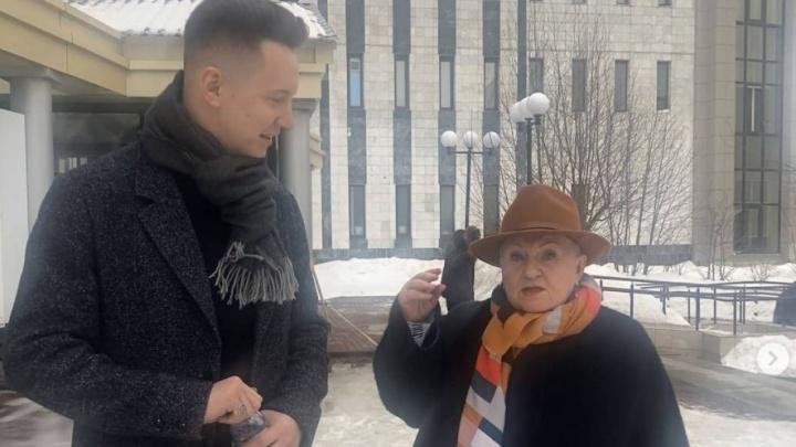У директора Сургутского театра Тамары Лычкатой в доме прошел обыск. Но ей понравились росгвардейцы