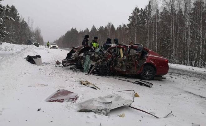 В жуткой аварии под Братском погибла семья красноярцев. В живых осталась их дочь