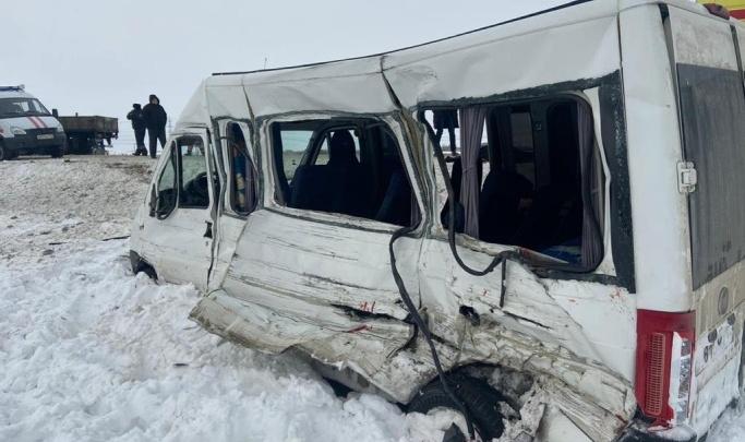 «Удар пришелся в бок»: в полиции назвали виновника смертельного ДТП с маршруткой в Самарской области