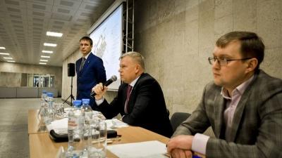 «Люди будут бунтовать!». Жители Мотовилихи встретились с властями, чтобы отстоять стадион у «Молота»