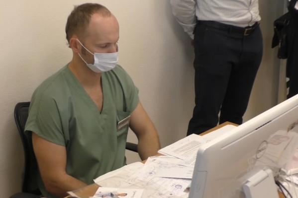 Главврач частной клиники пропустил нелегальных мигрантов в Россию