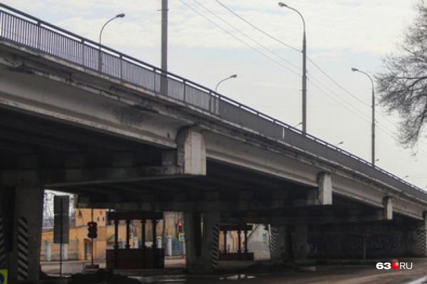 Отремонтированный путепровод открыли в 2017 году