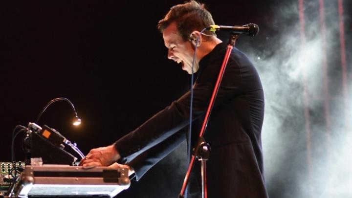Концерт Дельфина в Екатеринбурге разбили на два выступления с разницей в 8 месяцев. Что делать с билетами?