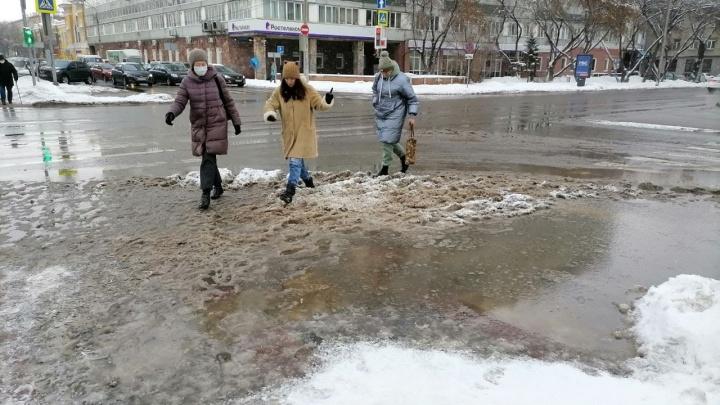 «Покой дорожникам только снится»: глава Красноярска дал прогноз на снегопады до конца недели