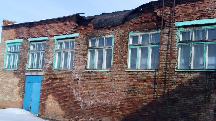 В Башкирии обрушилась часть школьной крыши. Чиновники назвали это «дефектом»