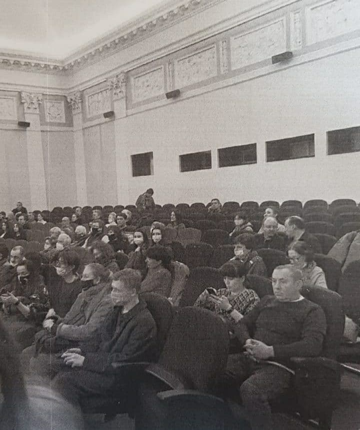 Суд на месяц приостановил работу двух залов Дома кино после нарушений на Артдокфесте. Но с 4 мая показы возобновятся