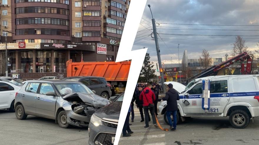 Кого признают виновным в ДТП с машиной полиции в Челябинске? Мнение юриста