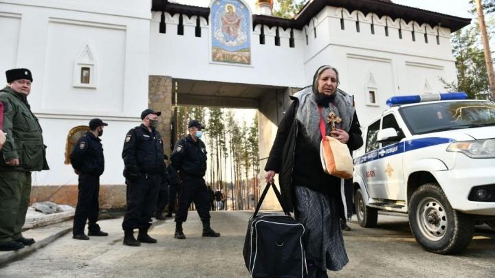 В епархии впервые высказались о полном расселении Среднеуральского монастыря