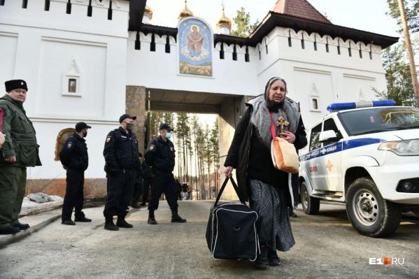 Епархия обещает всем монахиням и насельникам Среднеуральскогомонастыря помощь