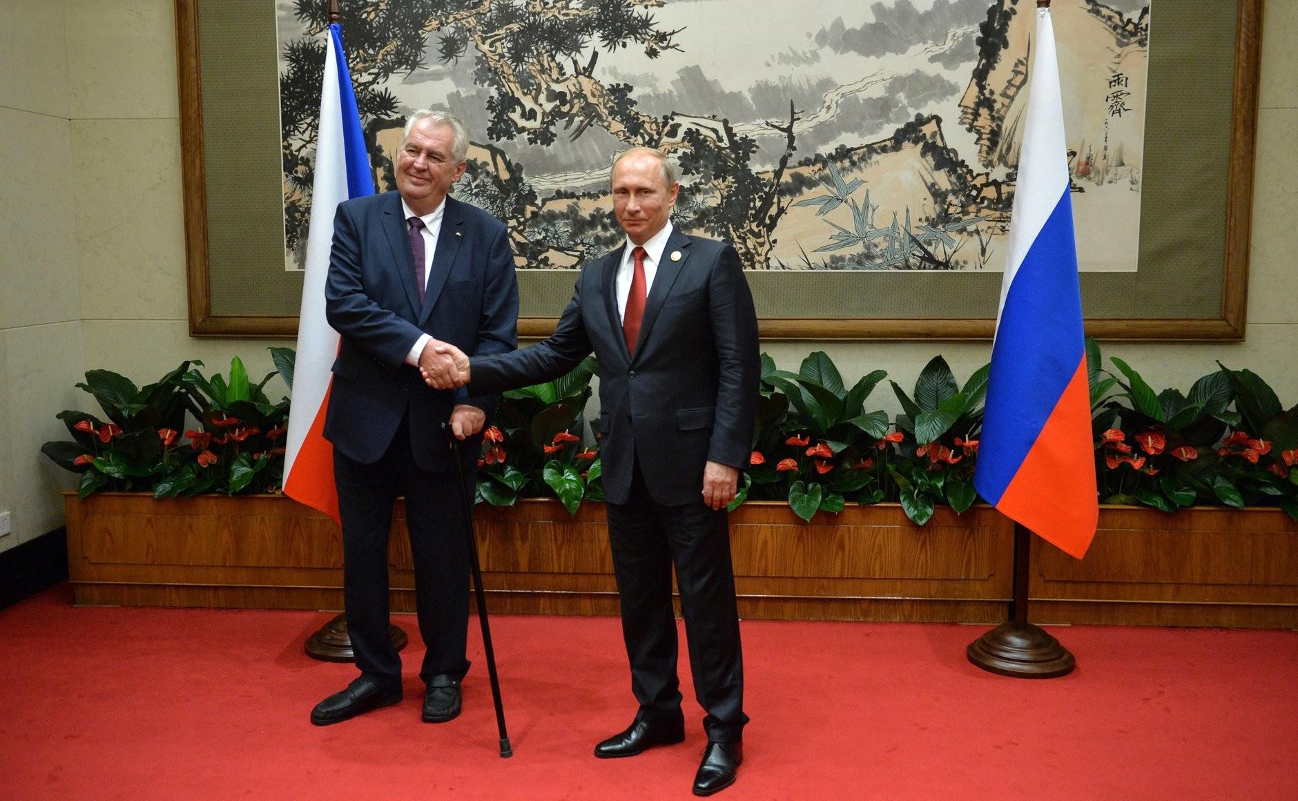 Президент Чехии Милош Земан с Владимиром Путиным, Пекин, 2015.