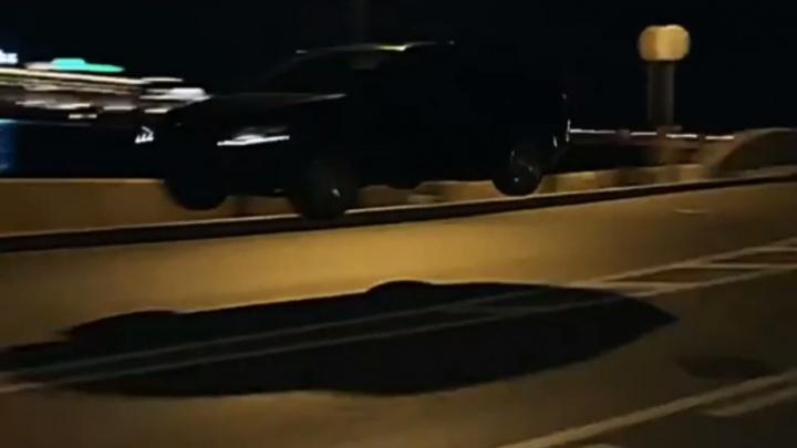 Красноярский «шкодовод» показал в Санкт-Петербурге полет над проезжей частью из GTA