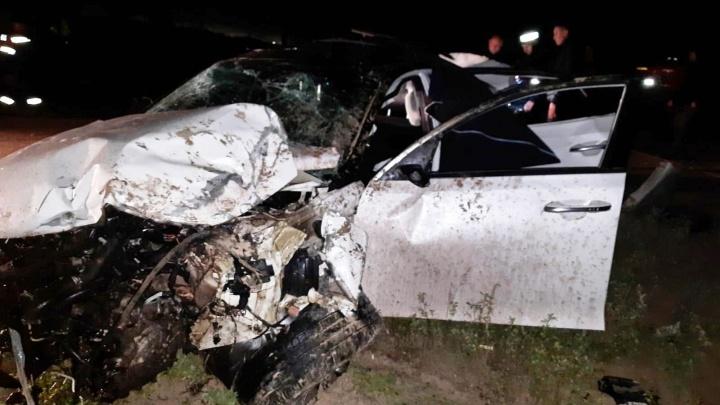 От удара машину перевернуло: в ДТП под Нижневартовском погибли два человека