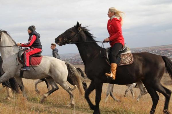 Обзор всех возможностей для конных прогулок