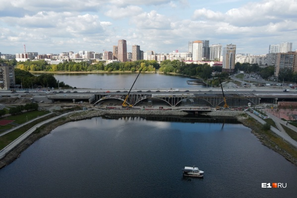 Вторая очередь Макаровского моста будет открыта для автомобильного движения в октябре 2021 года