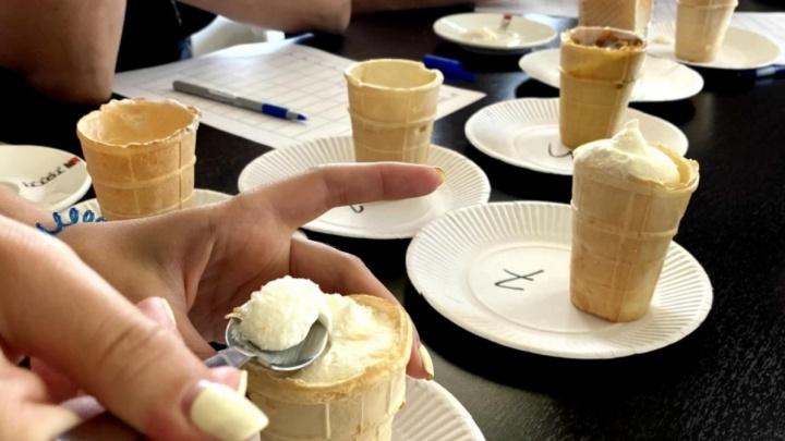 «Неделями живут в командировках на фабрике»: производители заявили о дефиците мороженого из-за новой маркировки