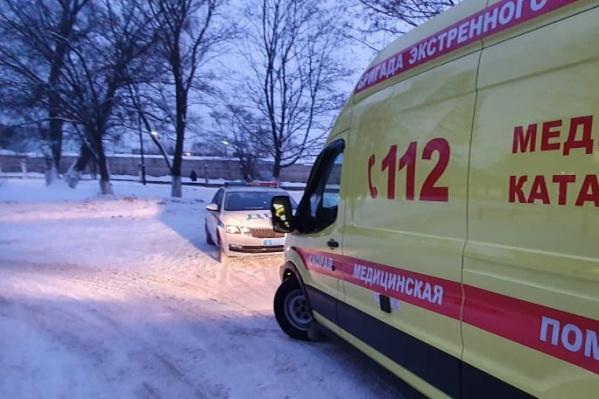 Ребенка увезли в детскую областную больницу