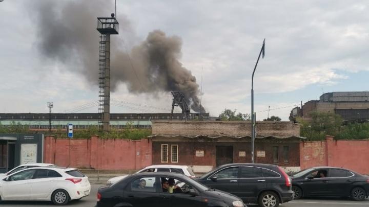 «Столб пламени был виден издалека»: на территории ЧТЗ вспыхнул пожар