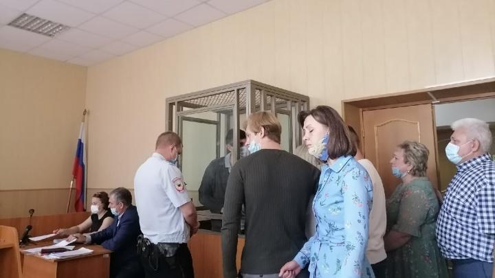 Недвижимость на 1,4 миллиарда рублей нашли у обвиняемых по делу главы Аксайского района