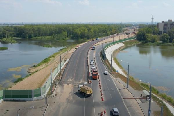 На улицей Шоссейной строят развязку второй очереди Фрунзенского моста