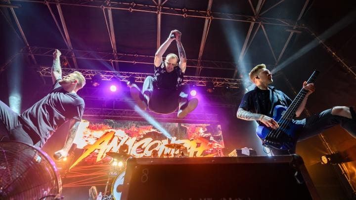 Anacondaz открыли сезон концертов на крыше «Астора», но сразу после этого площадка закрылась