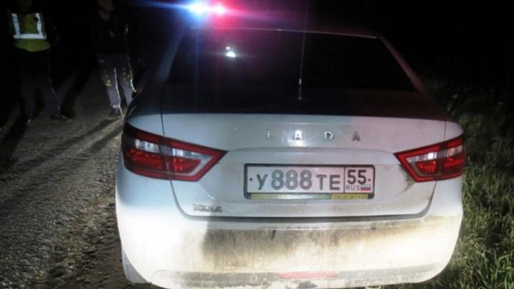23-летний тарчанин избил отца и угнал его машину, чтобы съездить к жене в Тевриз