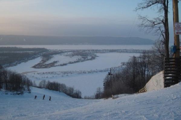 Лыжная база находится в красивейшем месте, в поселке Управленческом