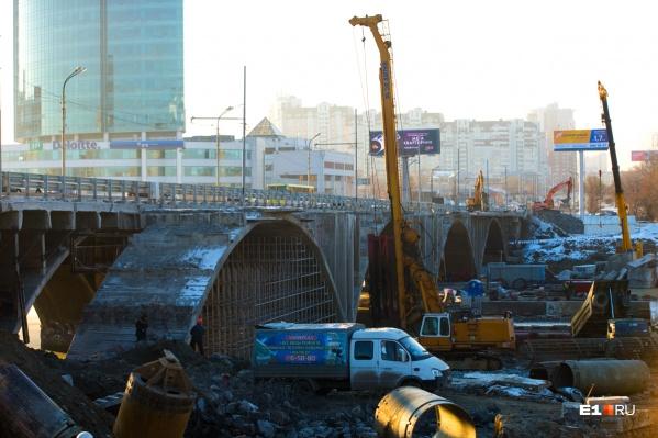 Реконструкция Макаровского моста и развязки у «Калины» только умножит пробки
