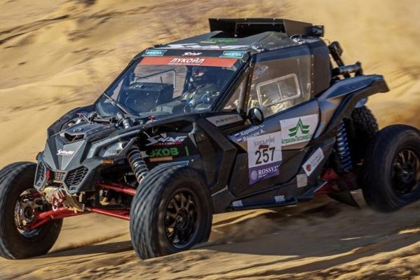 Для «Дакара» Сергей и его команда построили новую машину, которую протестировали во время гонки в Астрахани