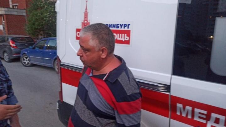 Дебошир, напавший на скорую в Екатеринбурге, объяснил свое поведение. Что известно об этом человеке