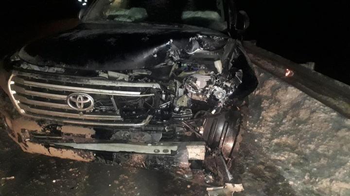 Не поделили перекресток: под Самарой столкнулись «Форд» и «Тойота»