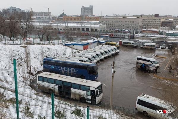 Движение автобусов по дорогам области восстановлено с 07:00