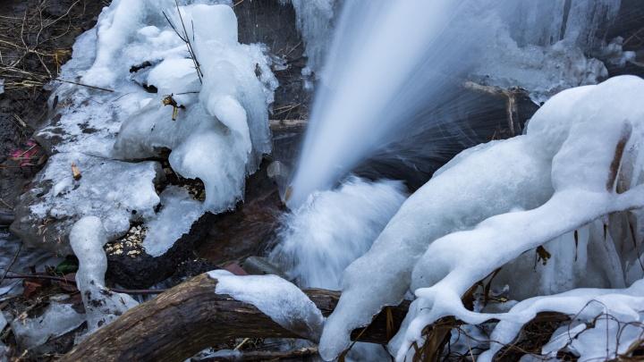 Концессионеры приедут после праздников: дряхлый водопровод топит пойму Царицы в Волгограде