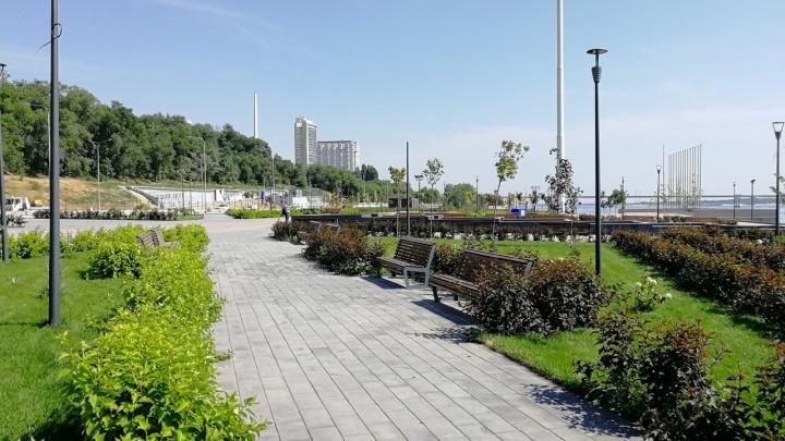 «А ничего так, живенько»: обновленную Центральную набережную Волгограда пообещали открыть в октябре