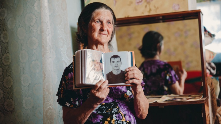 «Его видели в городе, у цыган и в психбольнице»: как мать 10 лет ищет пропавшего сына Володьку, не теряя надежды