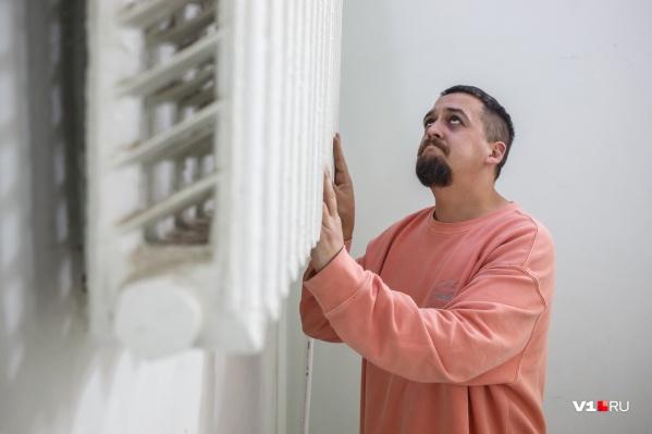 Горожане третьи сутки ждут тепла в своих квартирах