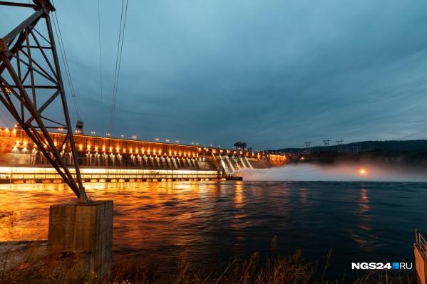 Сброс на ГЭС продолжится до конца месяца